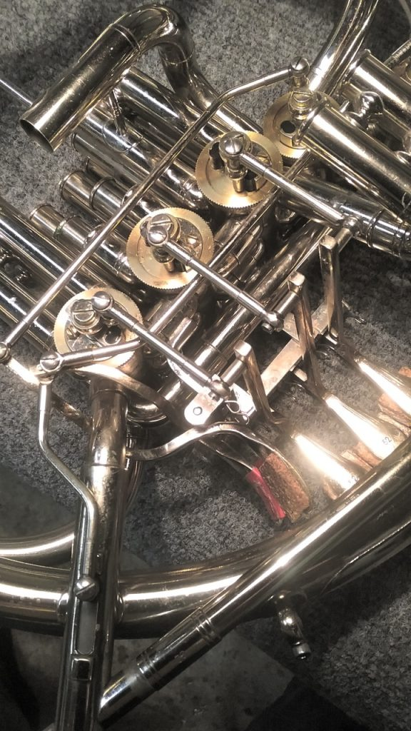 Triple french horn linkage roto